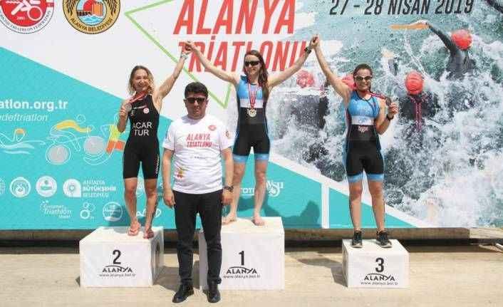 Alanya'da Triathlon sona erdi: İşte zirveye adını yazdıranlar