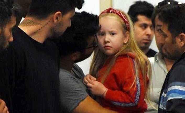 Kahreden kare! Josef Sural'ın kızı hastanede böyle bekledi