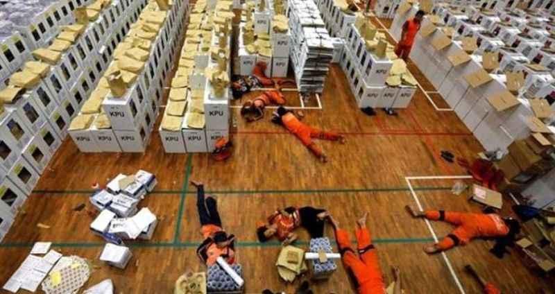 Katliam gibi seçim! 272 sandık görevlisi hayatını kaybetti