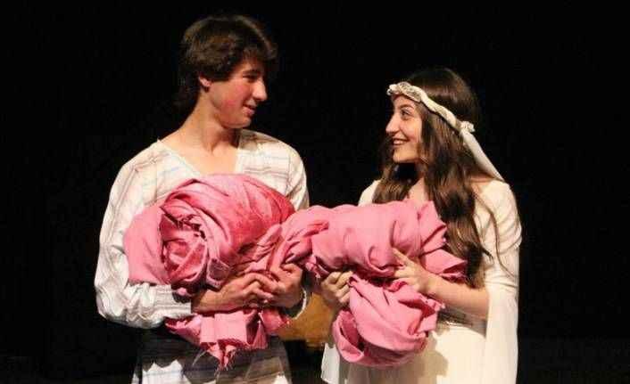 Alanya'da Tiyatro Şenliği başlıyor