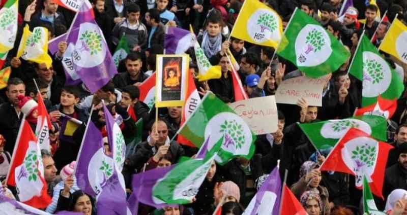 Slogan savaşlarına HDP de katıldı: Her şey muhteşem olacak