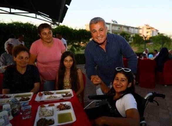 Manavgat Belediyesi'nden engelsiz iftar