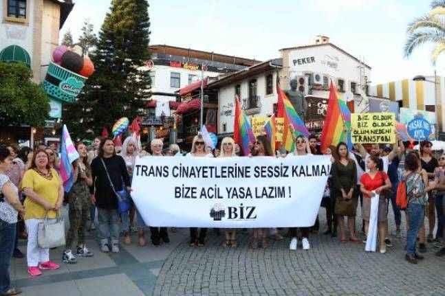 Trans birey cinayeti protesto edildi