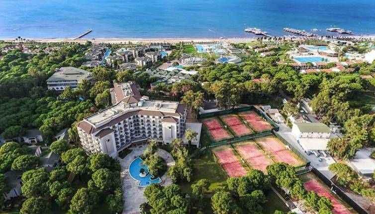Alman devi Antalya'nın ünlü otelini satın alıyor