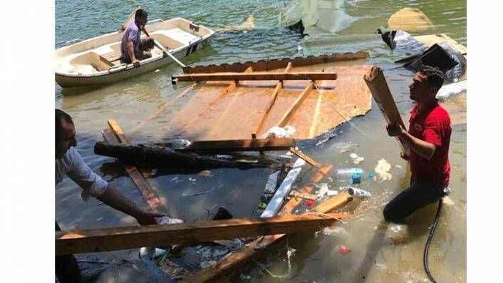 Şile'de mangal mekanı çöktü vatandaşlar göle düştü