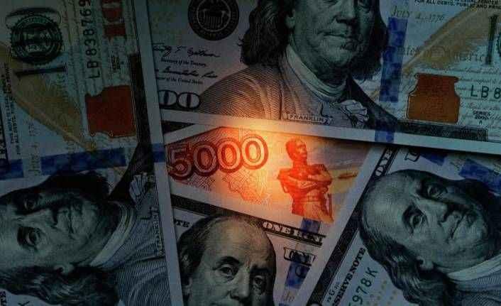 Rusya'dan dolara karşı yeni hamle: Rubleyle petrol satışına başlandı