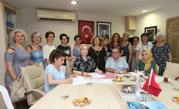 Alanya'da Kadın Meclisi genel kurul toplantısını gerçekleştirdi
