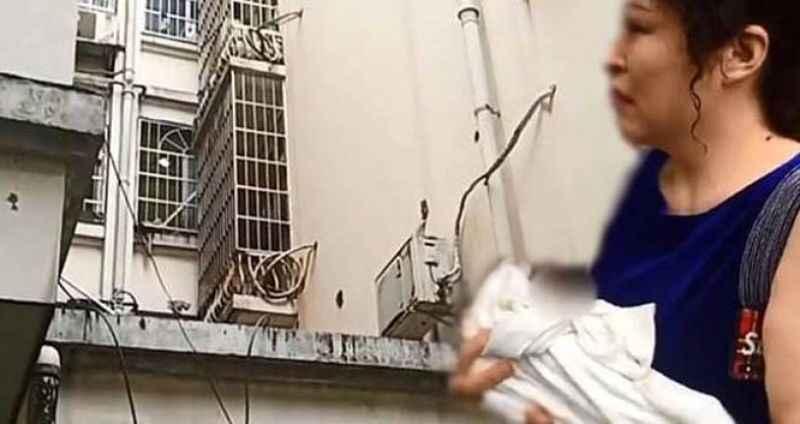 Vicdansız anne yeni doğan bebeğini 3. kattan aşağı attı