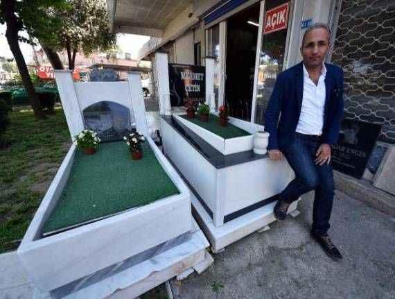 Antalya'da ilginç olay! Ölmeden kendi mezarını yaptı