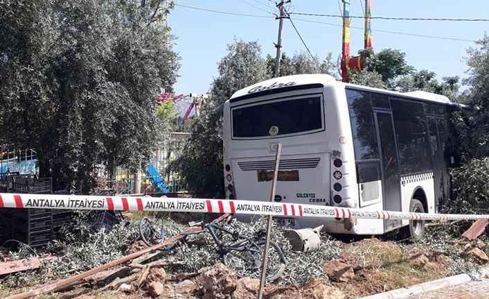 Dinek'te freni boşalan otobüs dehşet saçtı! Facia son anda önlendi