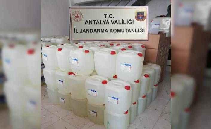 Manavgat'ta 7 ton kaçak etil alkol ve 100 bin liralık sahte fatura ele geçirildi