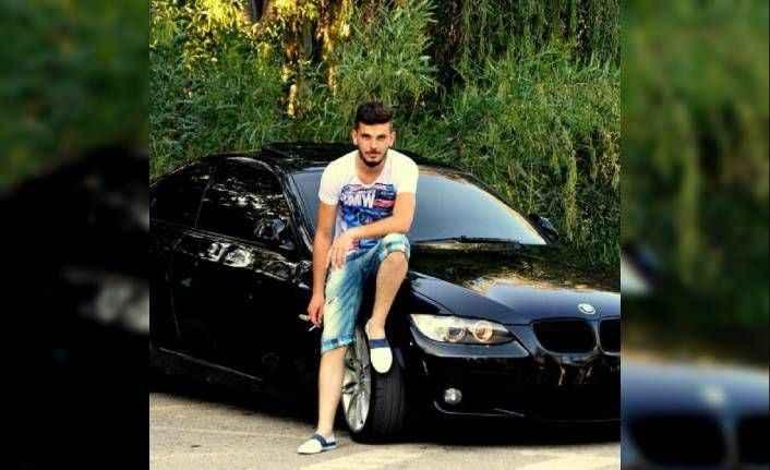 Antalya'da 2 arkadaşı bıçakladılar