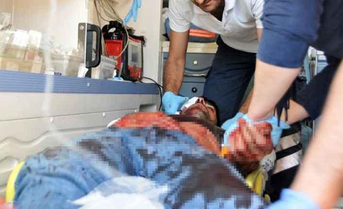 Antalya'da Babalar Günü'nde şok! Babasının boğazına komando bıçağı sapladı