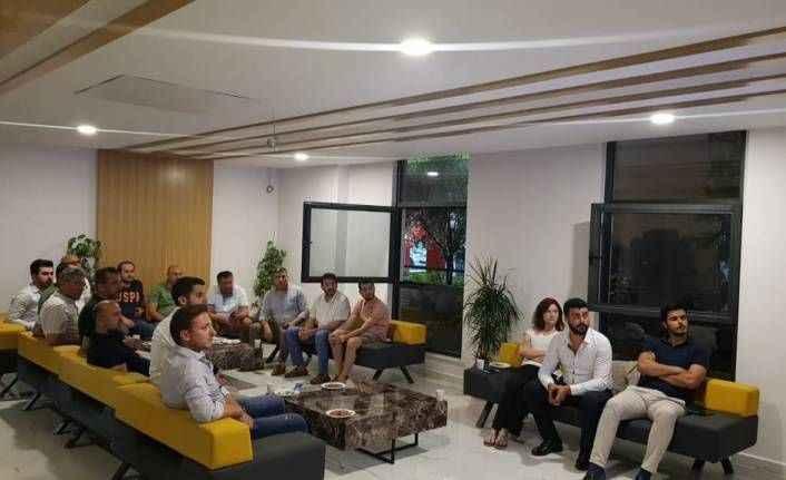 Alanya AK Parti tarihi programı birlikte izledi
