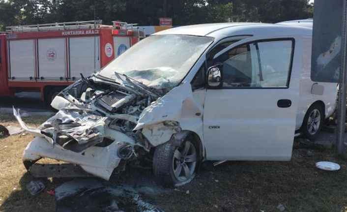 Manavgat'ta turistleri taşıyan araç kaza yaptı: 9 yaralı