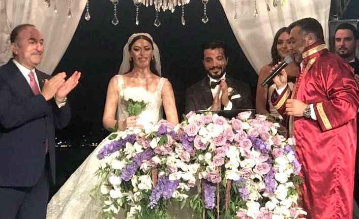 Alanya bu düğünü konuştu! Çavuşoğlu ailesinin en mutlu günü