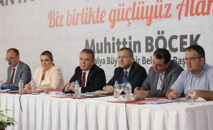 Alanya'da Başkan Böcek'ten turizmcilere söz! 'Turizmi birlikte kuracağız'