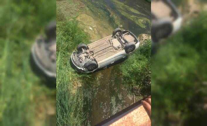 Antalya'da kontrolden çıkan otomobil dereye uçtu: 1 yaralı