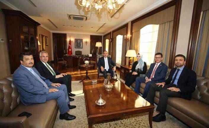 Antalya vekilleri Çavuşoğlu ile buluştu