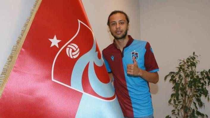 Trabzonspor, bir transferini daha KAP'a bildirdi