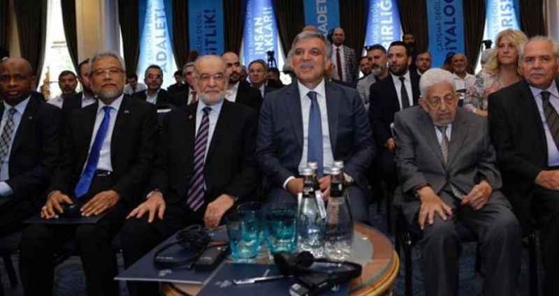 Gül, Saadet Partisi'nin düzenlediği zirvede alkışlarla karşılandı