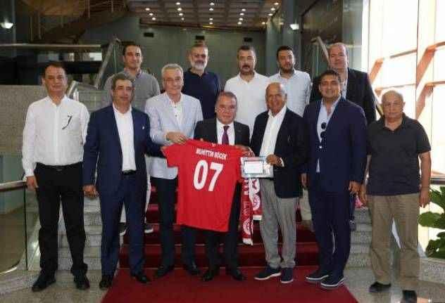 Başkan Böcek: Antalyaspor'umuza desteğimiz tamdır