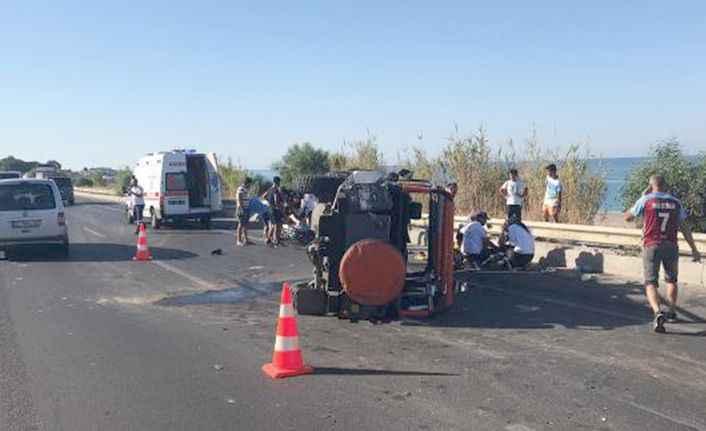 Alanya yolunda feci kaza! Minibüsle cip çarpıştı: 8 turist yaralandı
