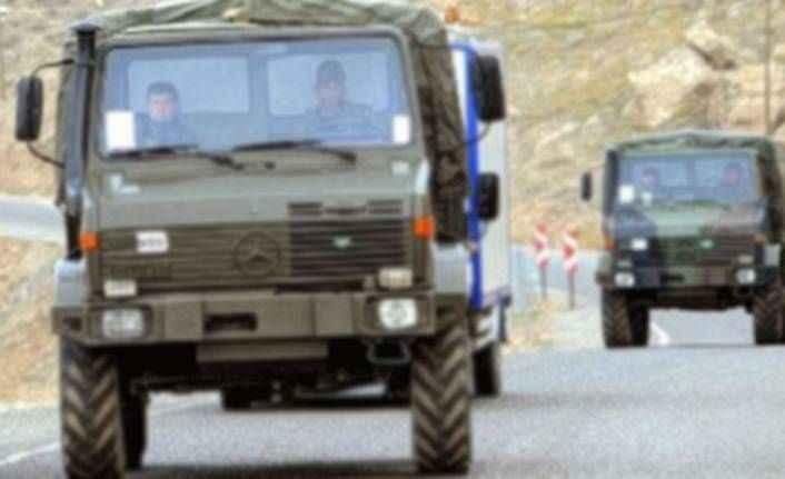 Siirt'te askeri aracın geçişi sırasında patlama: 2 yaralı
