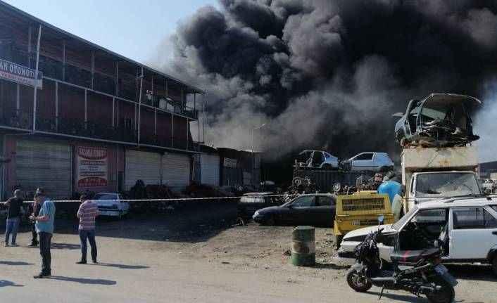 Metal sanayi sitesindeki fabrikada yangın