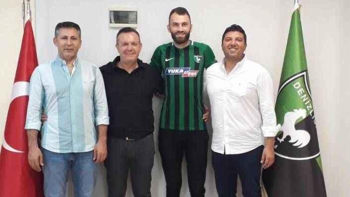 Mustafa Yumlu, Denizlispor'a imzayı attı