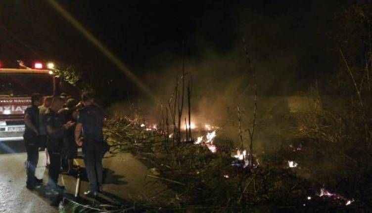 Antalya'da sazlık ve otluk alanda çıkan yangın korkuttu