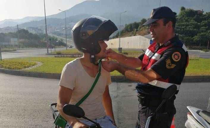 Alanya'da jandarmadan motosiklet sürücülerine denetim