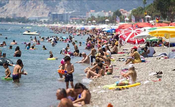Antalya'da turizmde yeni 'gün' rekoru kırıldı