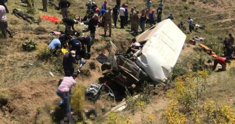 Van'da katliam gibi kaza: 15 ölü, 27 yaralı