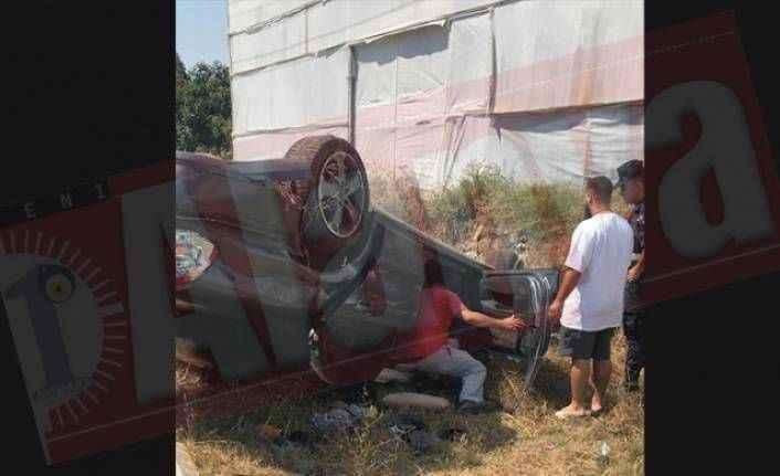 Alanya'da bariyerlere çarpan otomobile jandarma böyle müdahale etti