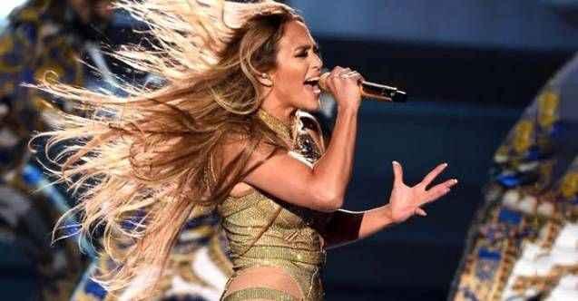 Antalya'da herkesi mest eden Jennifer Lopez'e en yakınında ağır darbe