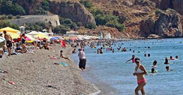 Antalya'da nem düştü, sıcaklık 40 dereceye dayandı