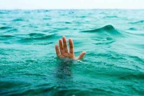Alanya'da gece denize girdi: Yoğun bakıma alındı!