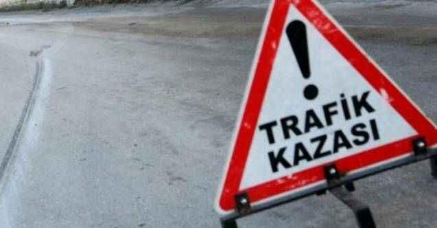 Alanya'da korkunç kaza! Otomobil kayaya çarptı: 1'i bebek 2 yaralı