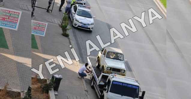 Alanya'da polisin durdurduğu sürücü ehliyetsiz çıktı