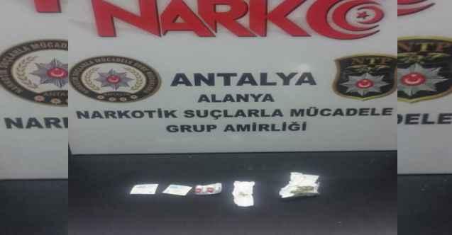 Alanya'da genç kız uyuşturucu taciri çıktı