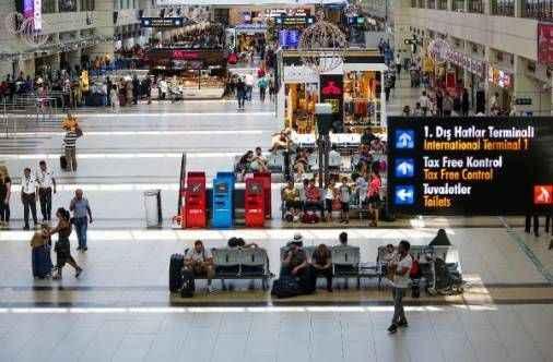 Antalya Havalimanı'nı 7 ayda 18 milyon yolcu kullandı
