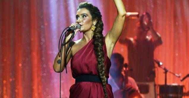 Sıla, Emine Bulut için Sezen Aksu'nun şarkısıyla çağrıda bulundu