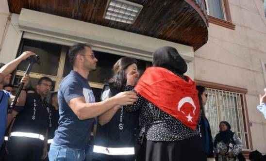 Diyarbakır HDP il binası önünde gerginlik! Aileler 'Yeter artık' deyip haykırdı: Susmayacağız!