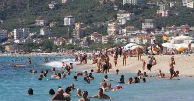 Alanya'da sahiller tıklım tıklım