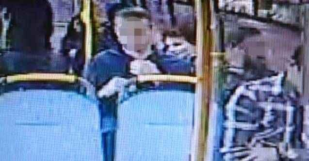 Halk otobüsünde iğrenç olay! Durakta yakalandı