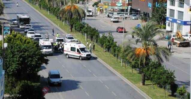 Alanya'da feci kaza! Otomobilin çarptığı kadın ağır yaralandı