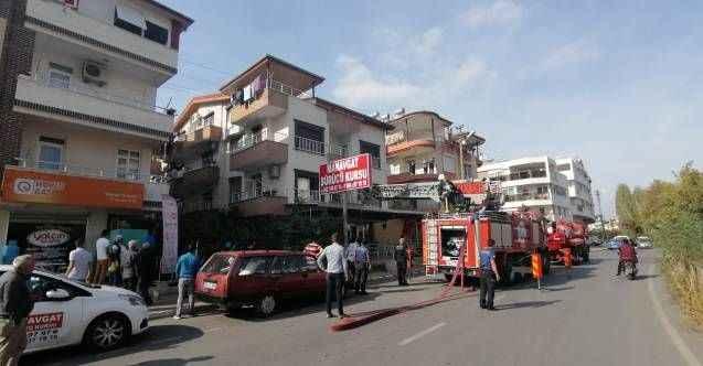 Ocakta unutulan tencere Manavgat'ta itfaiye ekiplerini alarma geçirdi