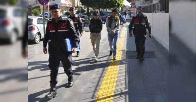 Manavgat'ta iş arkadaşlarını dövüp telefonunu gasbeden 2 Kırgız kadın yakalandı