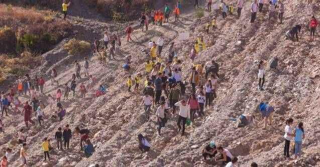 Alanya'da 'Gelceğe Nefes' için fidan dikme organizasyonu gerçekleştirildi